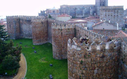 Ávila: la fortaleza de los caballeros y el misticismo