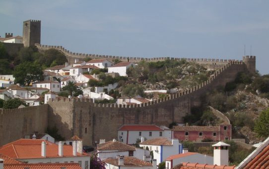 Óbidos: el pueblo medieval del chocolate y la ginjinha