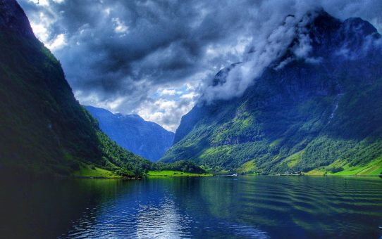 El glaciar más grande de Europa está en los Fiordos