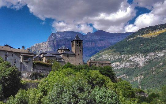 Aínsa, el último bastión en los Pirineos oscenses
