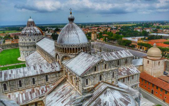 Pisa y el milagro de un destino muy inclinado