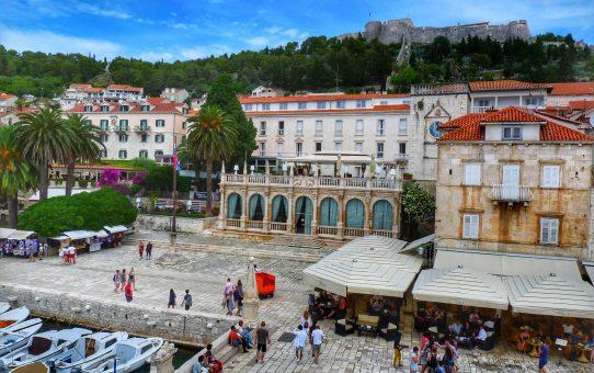 Qué ver en Hvar y las islas croatas más bellas de la costa Dámata